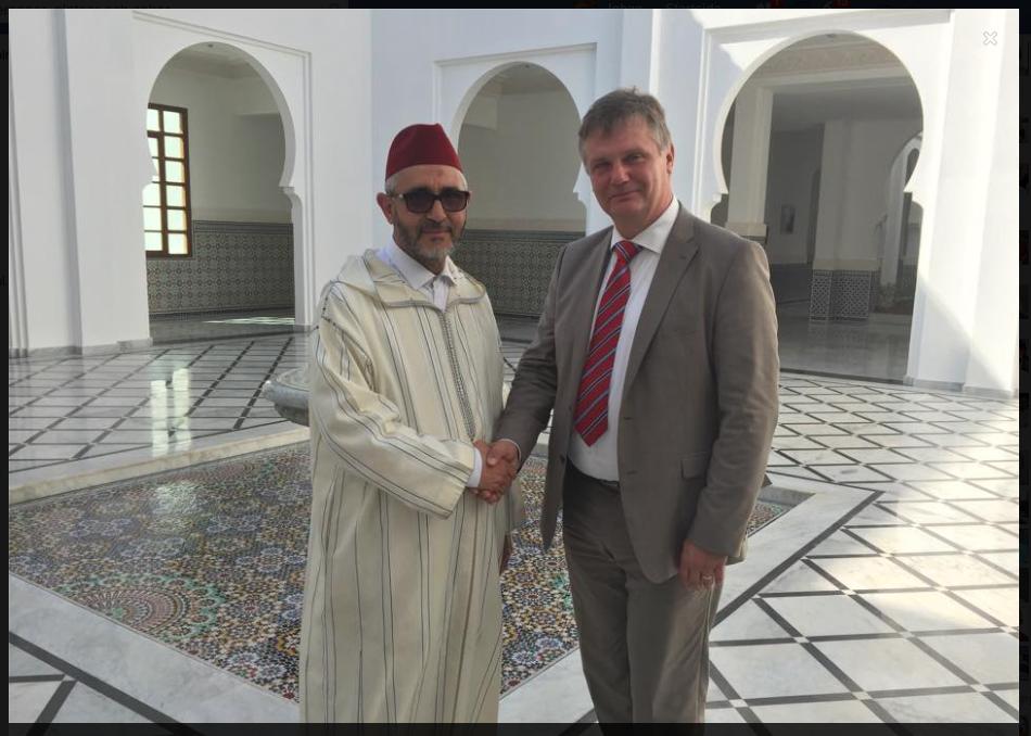 Vid besöket vid Imam-skolan i Rabat tillsammans med prefekten, Med the honourable mr Abdesselam Lazaar
