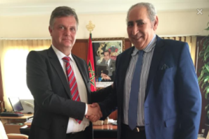 Med guvernören i Dakhla. Foto: Eget