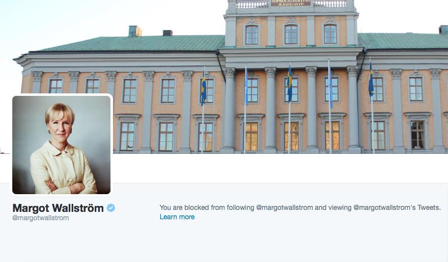 Skärmavbildning av utrikesministerns officiella Twitterkonto, länkad från regeringens hemsida. Avbildningen togs kl 07:40 idag.
