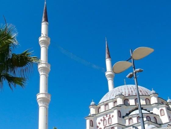Den nybyggda moskén i Didim, Turkiet Foto: Helene Bergman
