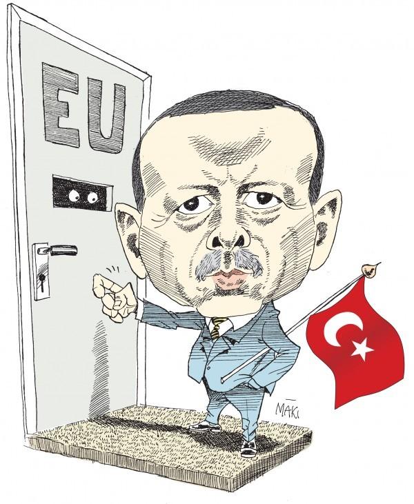 Turkiets markoffensiv kompletteras med opinionsbildning, övervakning och gripande av oppositionella