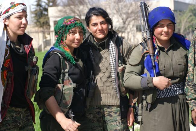 Erdoganlojala jihadister beredda att gå in i Syrien