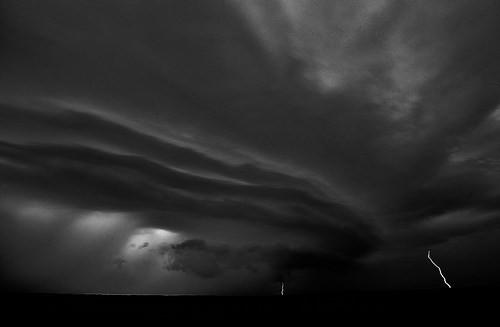 Den som sår vind skördar storm (Hosea 8:7)