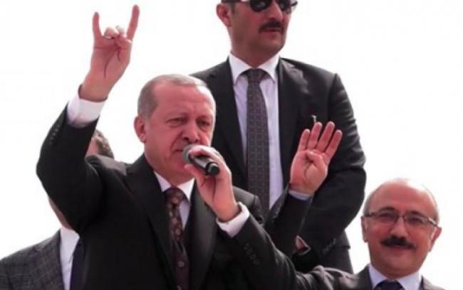 Erdogan sitter orubbad kvar vid makten trots valförlusten - med svenskt stöd
