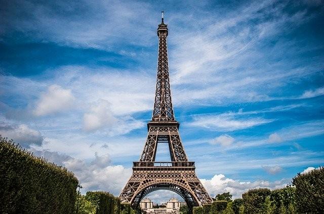Frankrike går till lokalval - ställer demokratins vara eller icke vara på sin spets