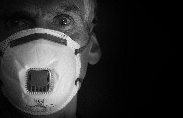 Folkhälsomyndigheten:  FHM råd om munskydd mot Covid 19 saknar evidens
